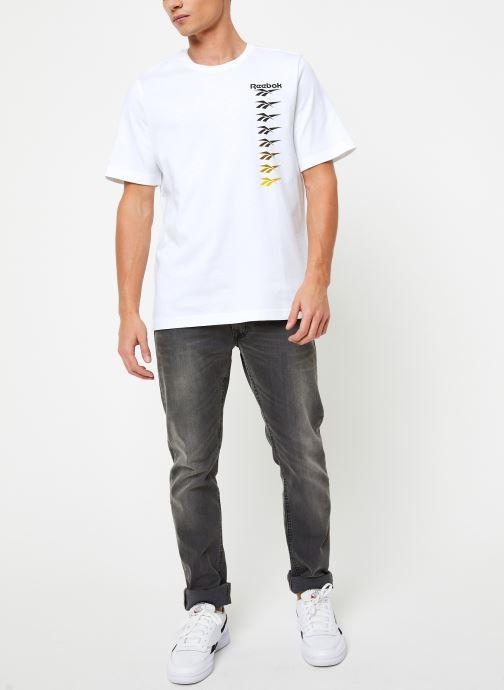 Vêtements Reebok Cl V P Tee Blanc vue bas / vue portée sac