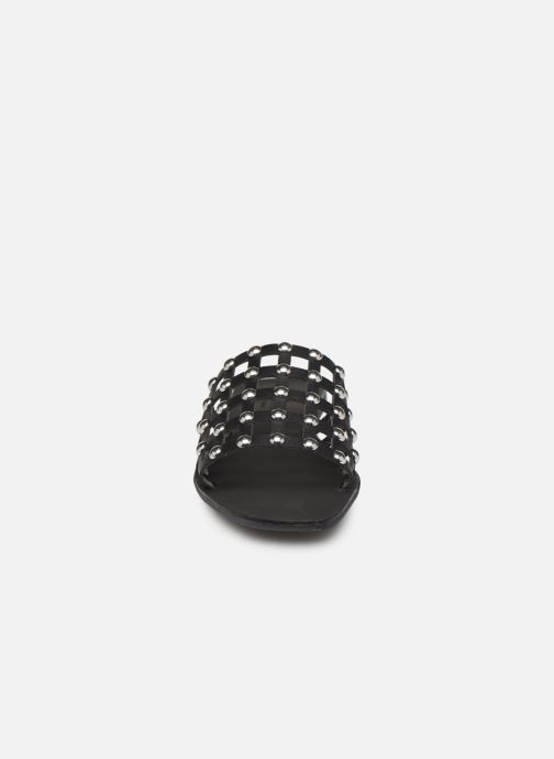 Zuecos Pieces CANDRA LEATHER SANDAL Negro vista del modelo