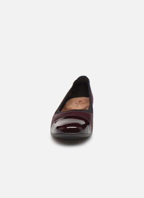 Ballerines Clarks Unstructured Un Darcey Cap Bordeaux vue portées chaussures