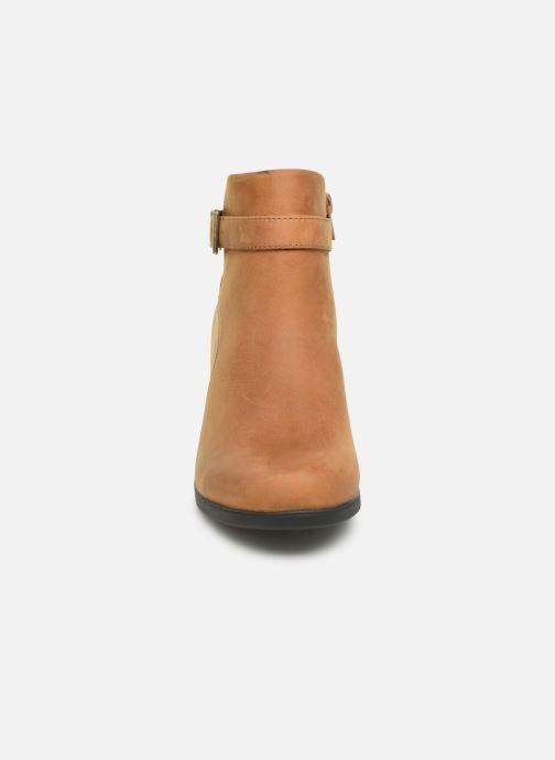 Bottines et boots Clarks Unstructured Un Lindel Lo Marron vue portées chaussures