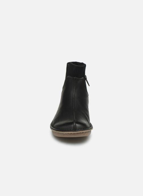 Bottines et boots Clarks Unstructured Funny Mid Noir vue portées chaussures