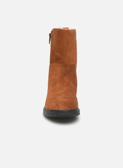 Bottines et boots Clarks Unstructured Un Elda Mid Marron vue portées chaussures