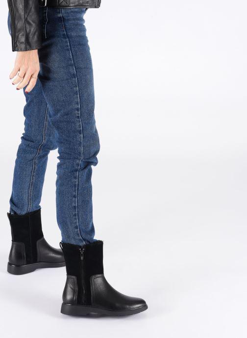 Bottines et boots Clarks Unstructured Un Elda Mid Noir vue bas / vue portée sac