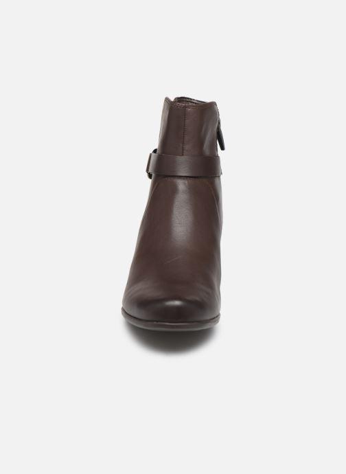 Bottines et boots Clarks Unstructured Un Damson Mid Marron vue portées chaussures