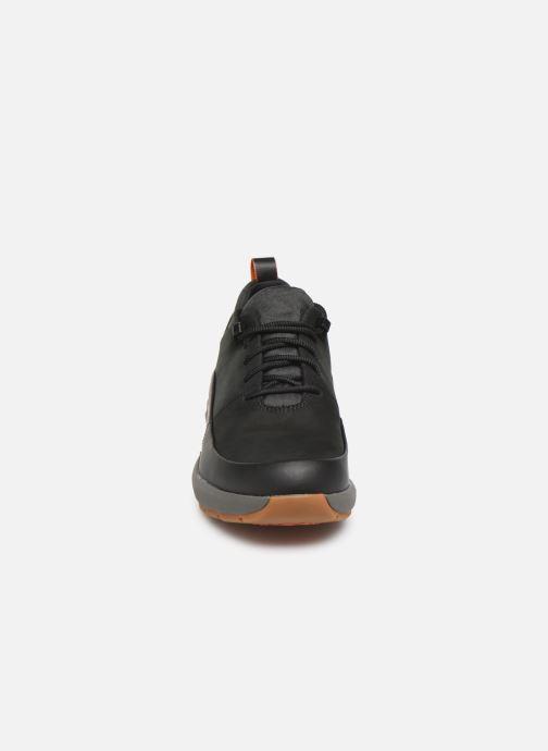 Baskets Clarks Unstructured Un VentureLo. Noir vue portées chaussures