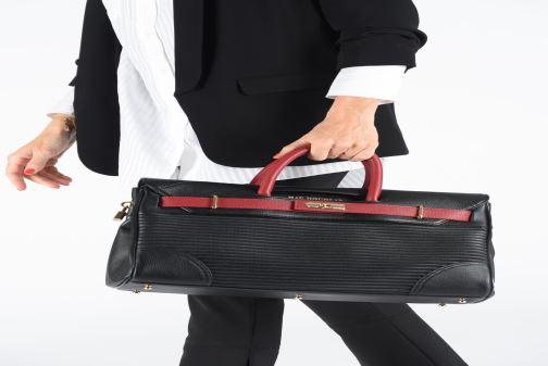 Handtaschen Mac Douglas PYLA-RYMEL S schwarz ansicht von unten / tasche getragen
