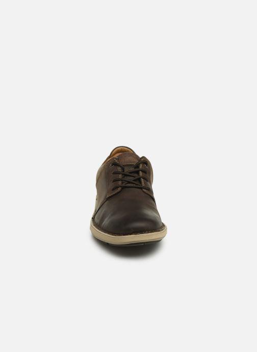 Sneaker Clarks Unstructured Un Larvik Lace braun schuhe getragen