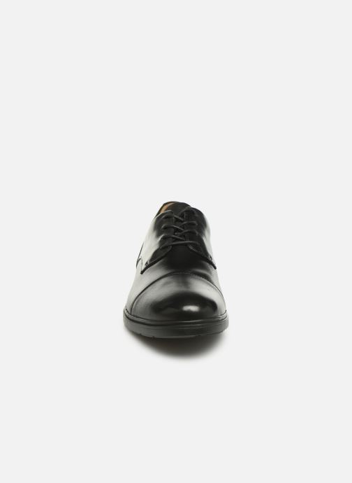 Chaussures à lacets Clarks Unstructured Un Tailor Cap Noir vue portées chaussures