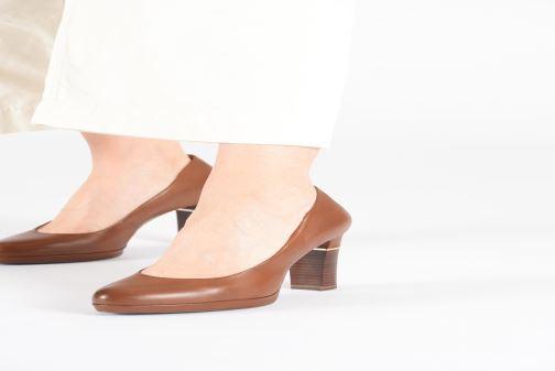 High heels Tamaris SHIRLEY Black view from underneath / model view