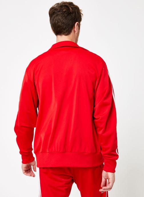 Vêtements adidas originals Firebird Tt Rouge vue portées chaussures