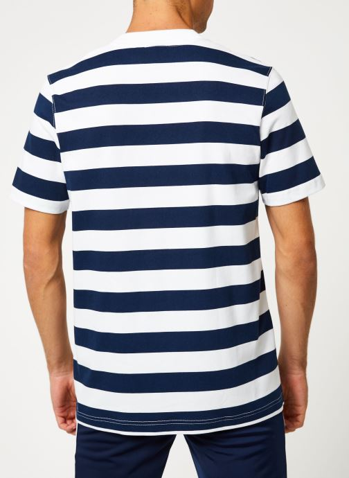 Vêtements adidas originals Stripe Tee Blanc vue portées chaussures