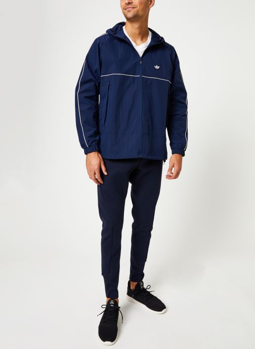 Vêtements adidas originals Shell Jacket Bleu vue bas / vue portée sac