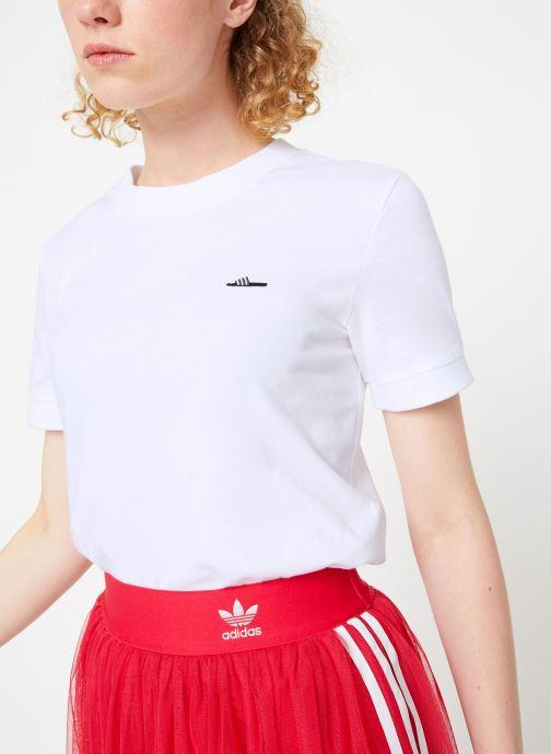 Vêtements adidas originals Tee-Shirt Blanc vue détail/paire