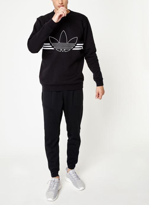 Vêtements adidas originals Outline Crw Flc Noir vue bas / vue portée sac