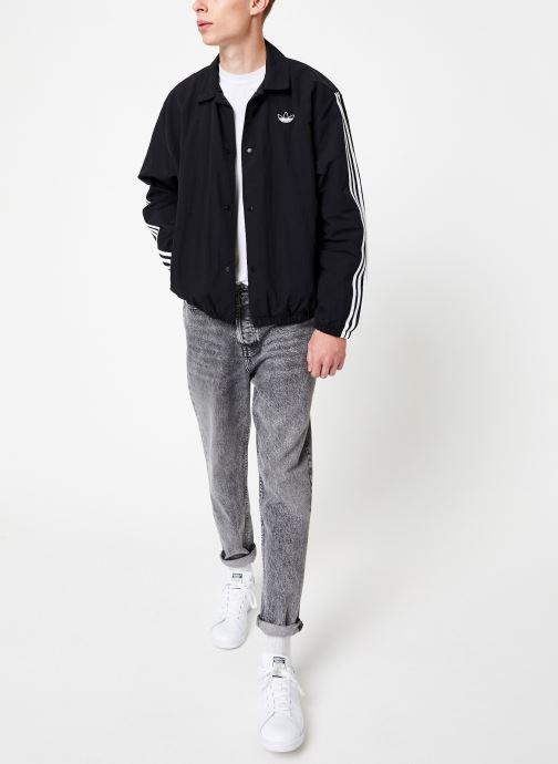 Vêtements adidas originals Trefoil Coach J Noir vue bas / vue portée sac