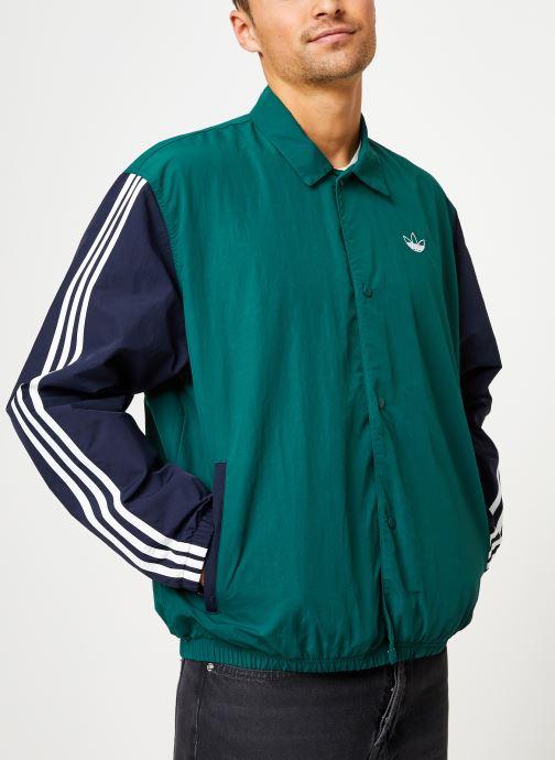 Vêtements adidas originals Trefoil Coach J Vert vue détail/paire