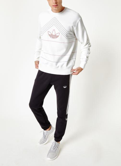 Vêtements adidas originals Rivalry Crew Blanc vue bas / vue portée sac