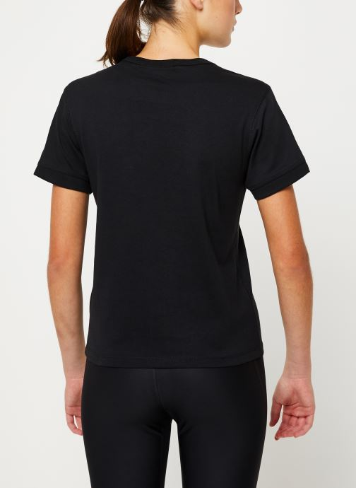 Vêtements adidas originals T Shirt Noir vue portées chaussures