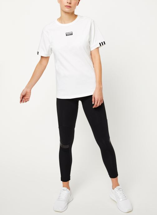 Vêtements adidas originals Vocal T Shirt Blanc vue bas / vue portée sac