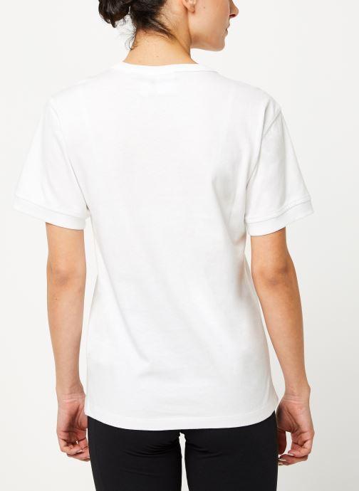 Vêtements adidas originals Vocal T Shirt Blanc vue portées chaussures