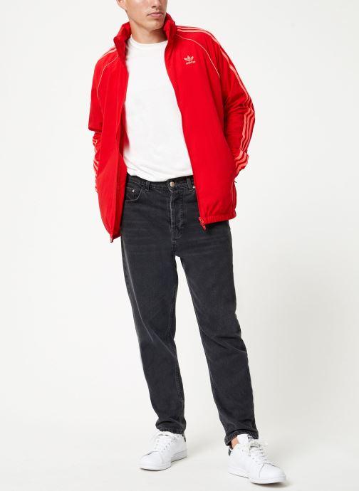 Vêtements adidas originals Blc Sst Wb Rouge vue bas / vue portée sac