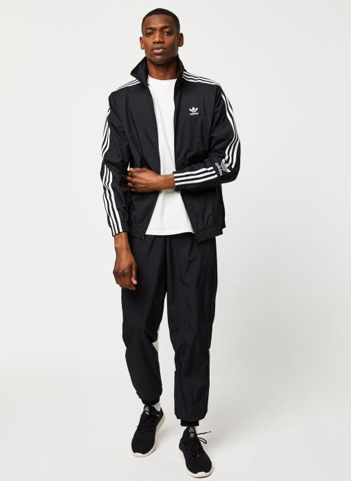 Vêtements adidas originals Lock Up Tt Noir vue bas / vue portée sac