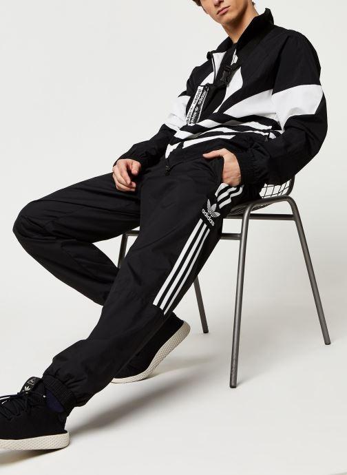 Vêtements adidas originals Lock Up Tp Noir vue bas / vue portée sac