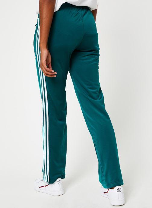 Vêtements adidas originals Firebird Tp Vert vue portées chaussures