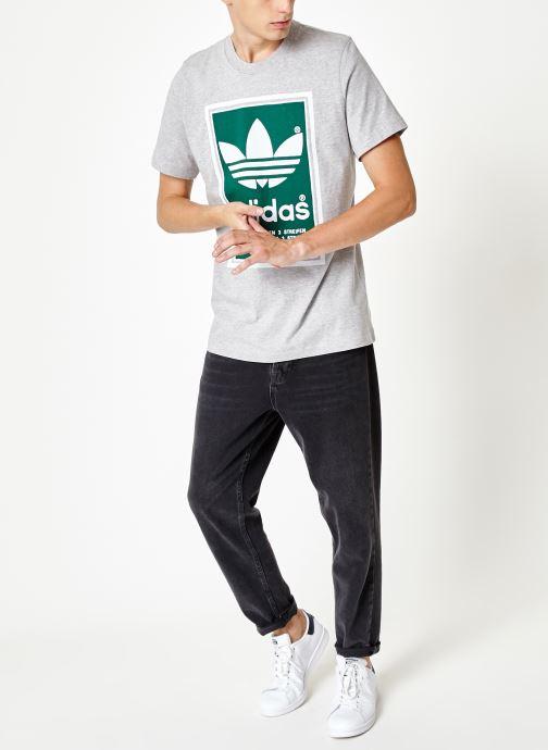 Vêtements adidas originals Filled Label Gris vue bas / vue portée sac