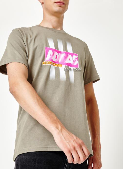 Vêtements adidas originals Bodega Logo Tee Gris vue détail/paire