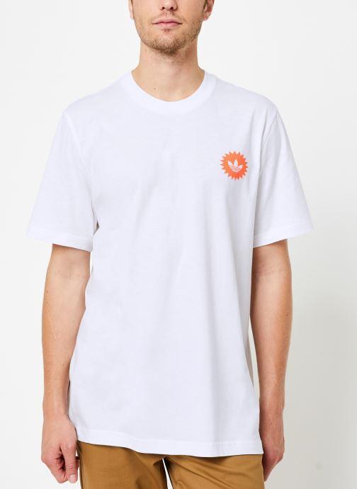 Vêtements adidas originals Bodega Poster T Blanc vue droite