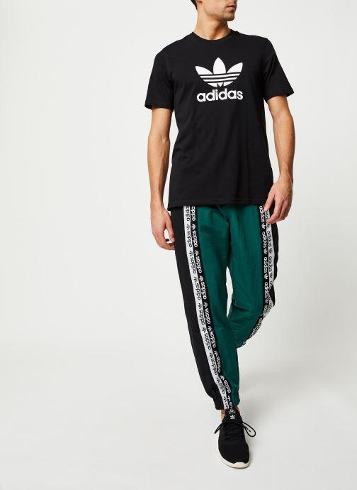 Vêtements adidas originals Vocala Tp Vert vue bas / vue portée sac