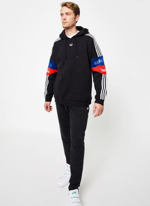 Vêtements adidas originals Ts Trf Hoody Noir vue bas / vue portée sac