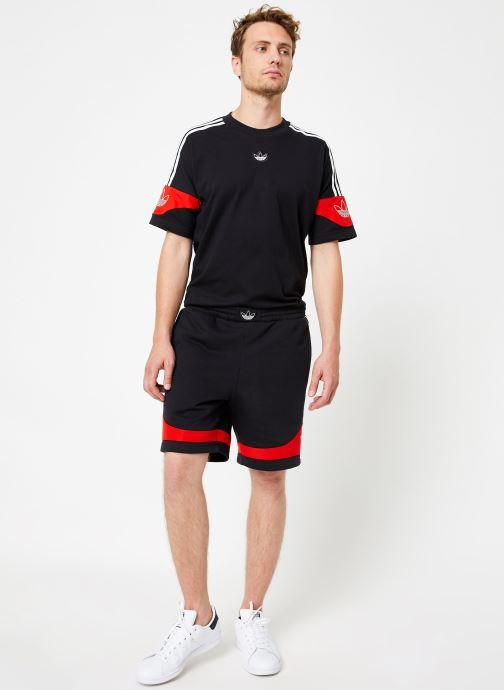 Vêtements adidas originals Ts Trf Short Noir vue bas / vue portée sac