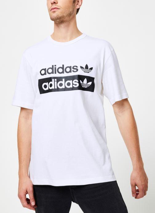 Vêtements adidas originals Vocal Logo Tee Blanc vue détail/paire