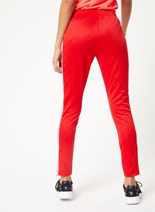 Vêtements adidas originals Ss Tp Rouge vue portées chaussures