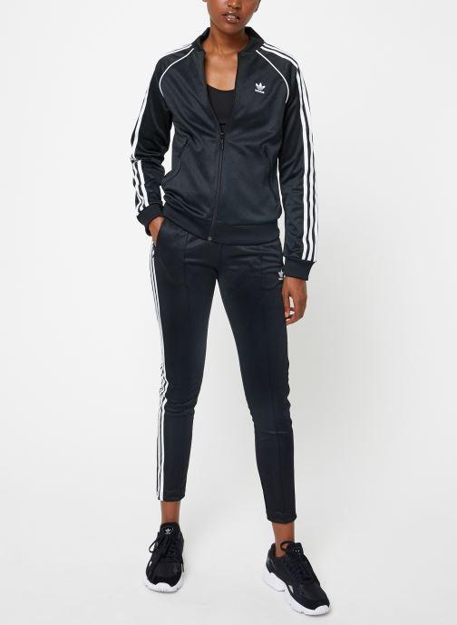 Vêtements adidas originals Ss Tt Noir vue bas / vue portée sac