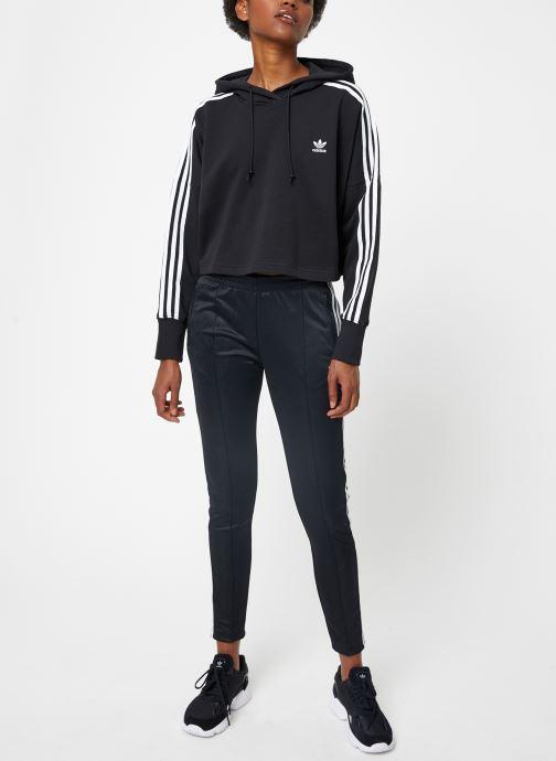 Vêtements adidas originals Cropped Hood Noir vue bas / vue portée sac