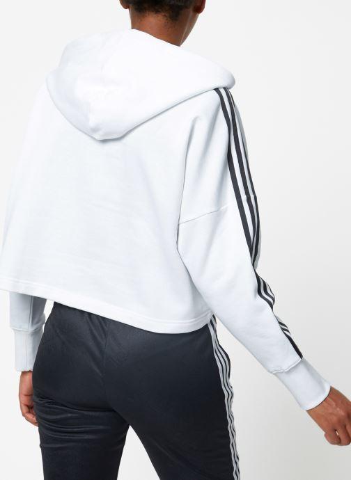 Vêtements adidas originals Cropped Hood Blanc vue portées chaussures