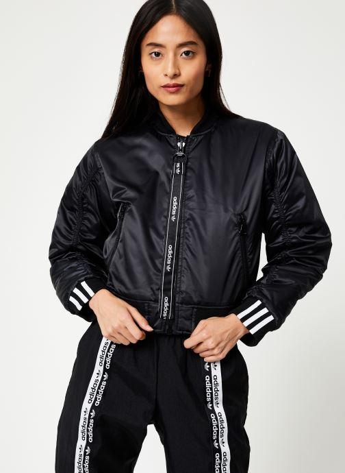 Vêtements adidas originals Cropped Bomber Noir vue détail/paire