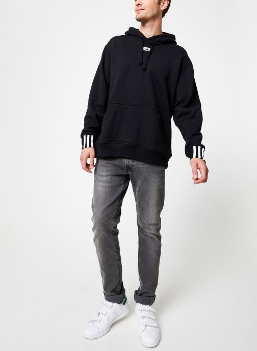 Vêtements adidas originals R.Y.V.Hoody Noir vue bas / vue portée sac