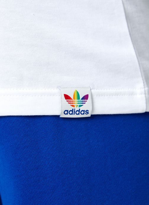 Vêtements adidas originals Pride Tee Blanc vue face