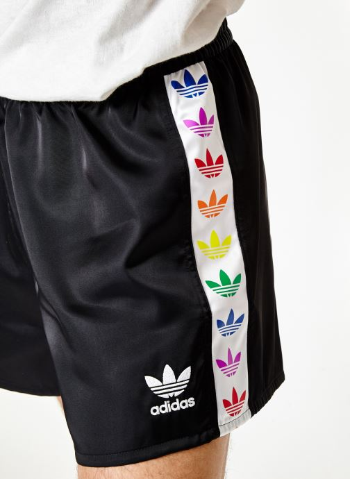 Vêtements adidas originals Pride Short Noir vue face