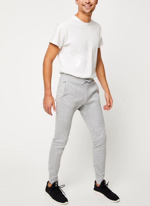 Vêtements adidas performance M V Pant Gris vue bas / vue portée sac
