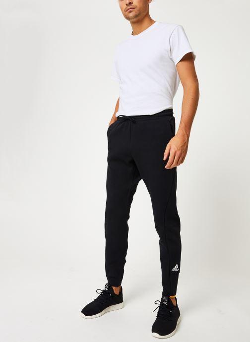 Vêtements adidas performance M V Pant Noir vue bas / vue portée sac