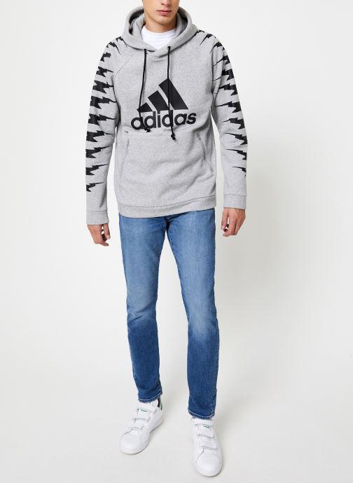 Vêtements adidas performance Id Fl Grfx Hd Gris vue bas / vue portée sac