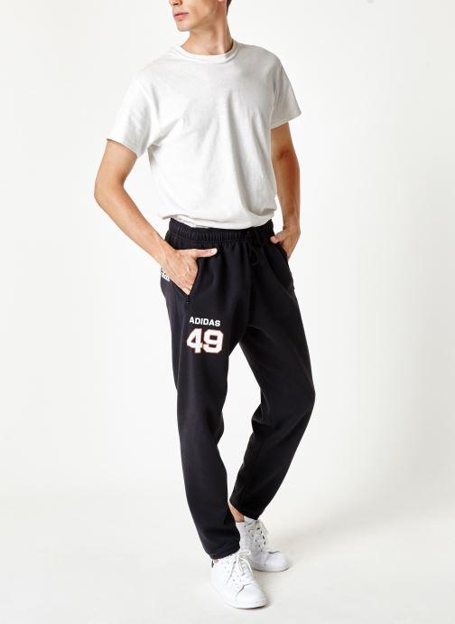 Vêtements adidas performance Id Fl Grfx Pt Noir vue bas / vue portée sac