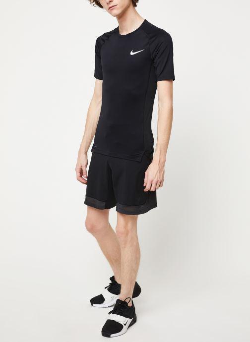 Vêtements adidas performance Camo Brno Short Noir vue bas / vue portée sac