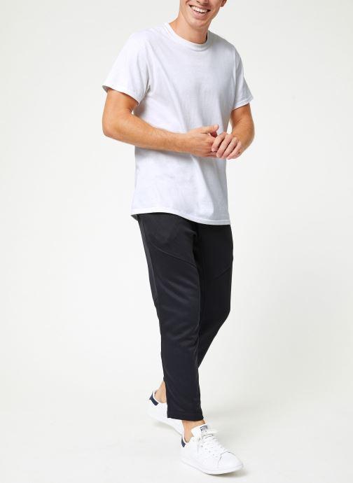 Vêtements adidas performance Daily 3S Pant Noir vue bas / vue portée sac