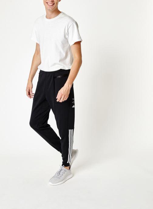 Vêtements adidas performance M Id Sweat Pt Noir vue bas / vue portée sac